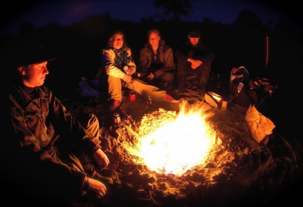 Lagerfeuer bei einem Survival Camp Event